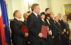 Präsident Bronislaw Komorowski während Designation von Donald Tusk