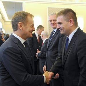 Donald Tusk (links) und Bartosz Arlukowicz (rechts)
