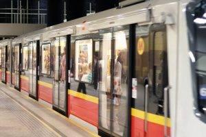 Metro-Zug in  Warschau