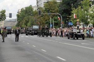 Militärparade-in-Warschau