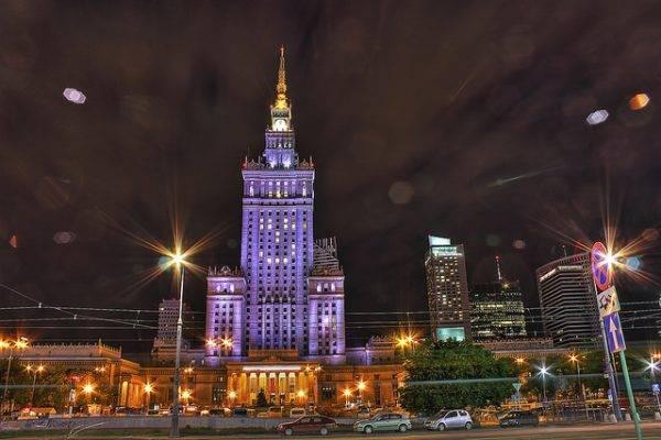 Kulturpalst in Warschau bei Nacht
