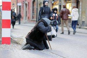 Armut in Polen // (cc) Lukas Plewnia [CC BY-SA 2.0] / polen-heute.de/Flickr