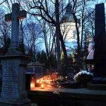 Allerheiligen in Polen – Grablichter auf Friedhöfen und Straßen