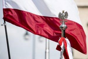 Polnische Fahne und Adler