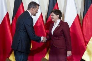 Beata Szydlo mit dem Vetreter von Daimler-Vorstand